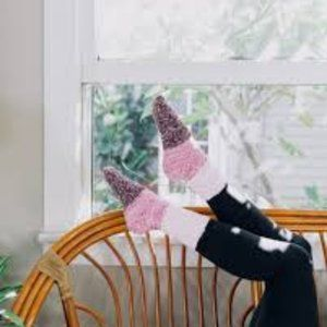 Pointe Studio Aloe Infused Post Workout Socks